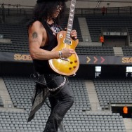100618_021_slash_paris