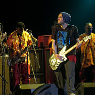 111021_018_femi-kuti_red-hot-chili-peppers_frankfurt